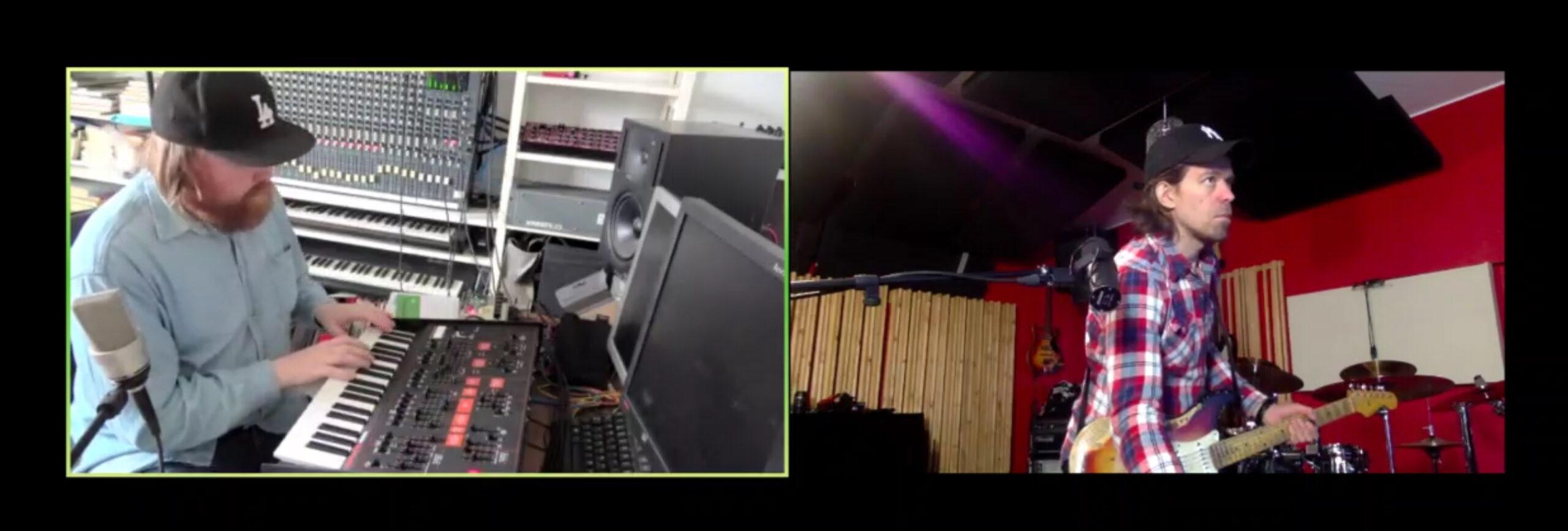 Ruutukaappaus Aleksin ja Harrin viikkostriimi-lähetyksestä. Vasemmassa kuvaruudussa Aleksi soittaa koskettimia ja oikeassa Harri soittaa sähkökitaraa.